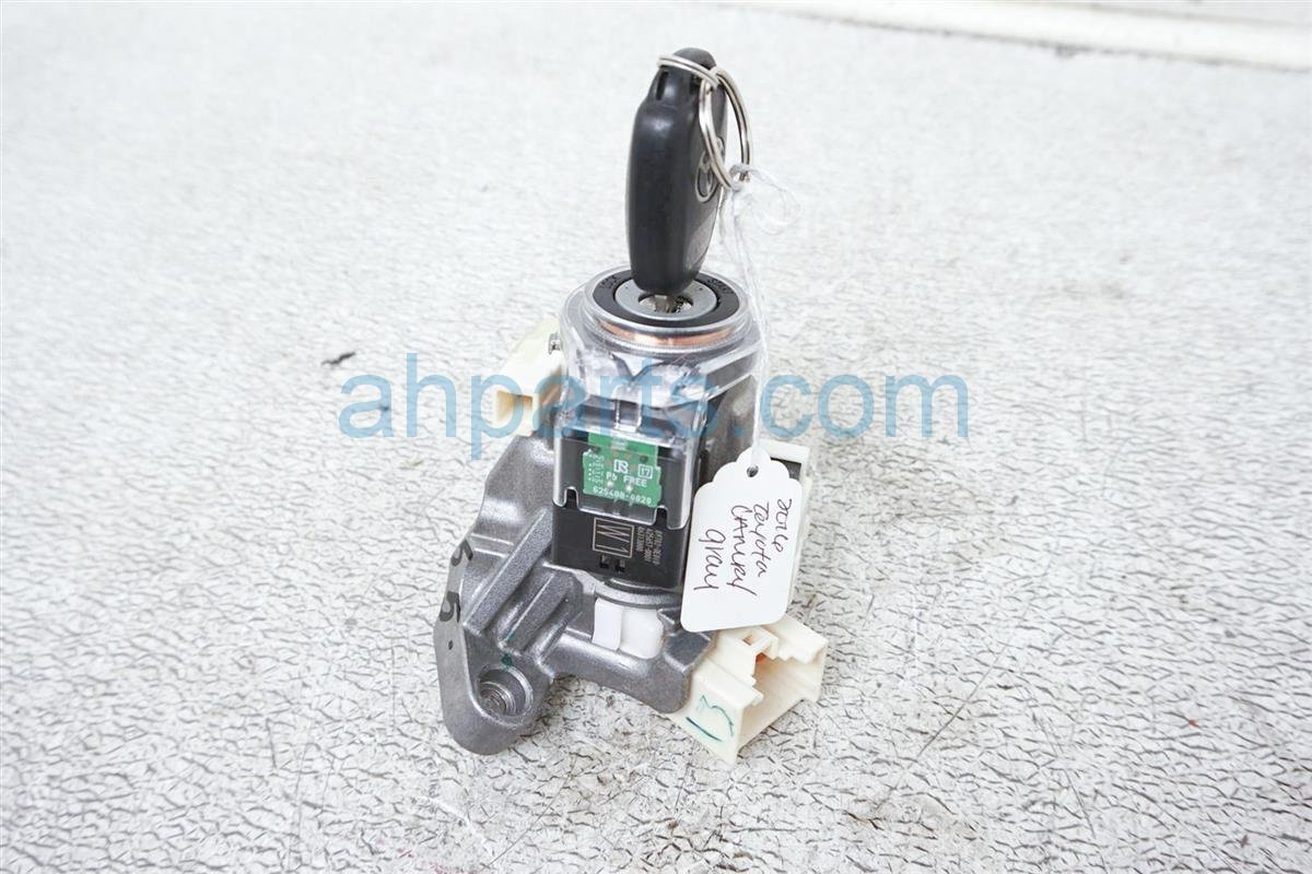 2016 Toyota Camry Column At Ignition Switch + Key 69057 0R050 Replacement