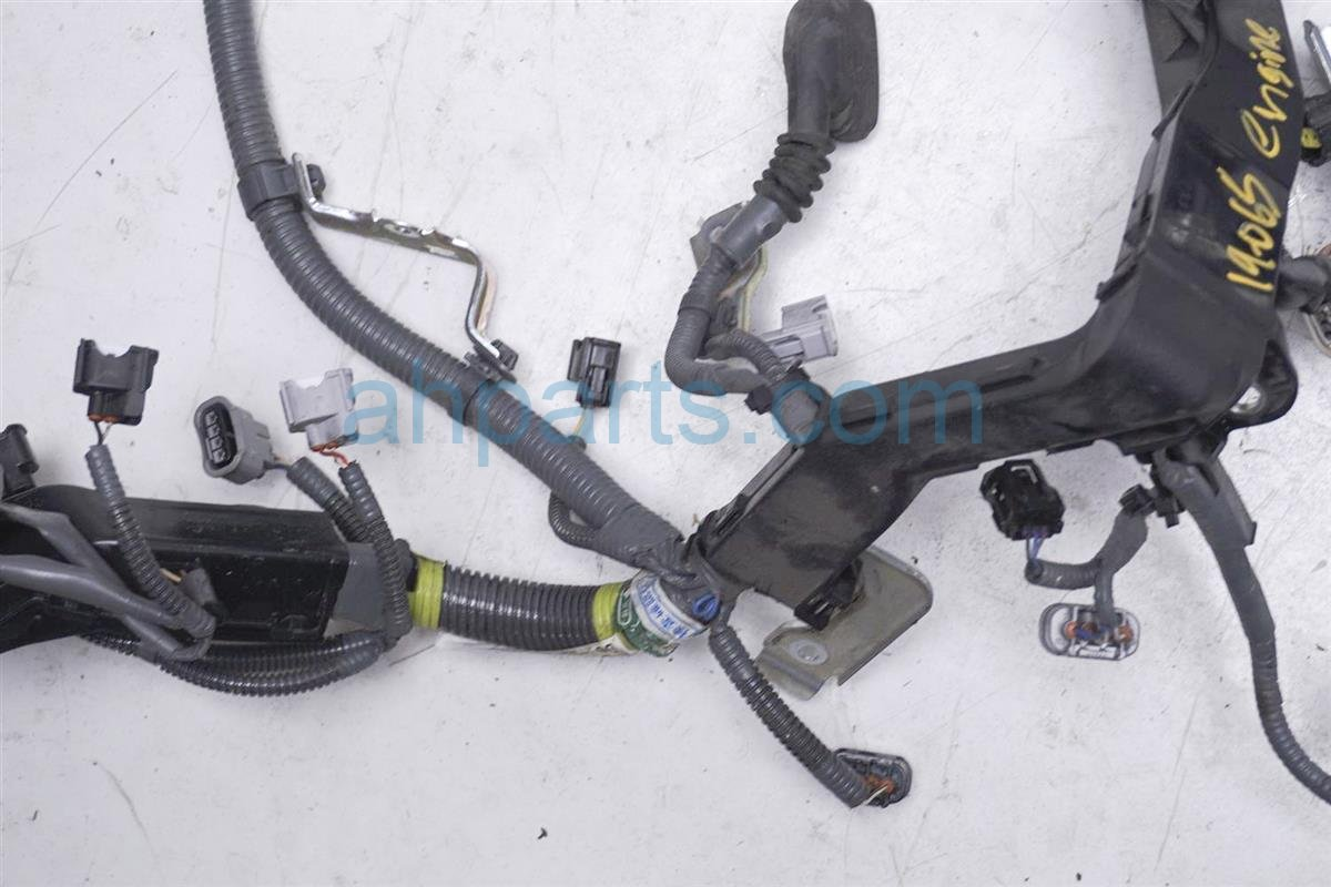 2016 Toyota Camry Engine Wire Harness   Le   2.5l Ulez 82121 06D60 Replacement