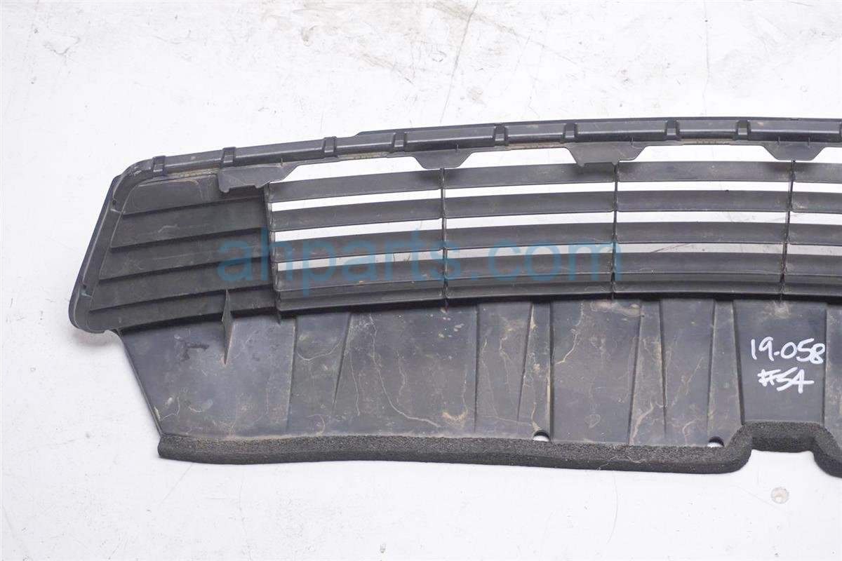 2012 Toyota Prius Lower Grille   Black 53112 52370 Replacement