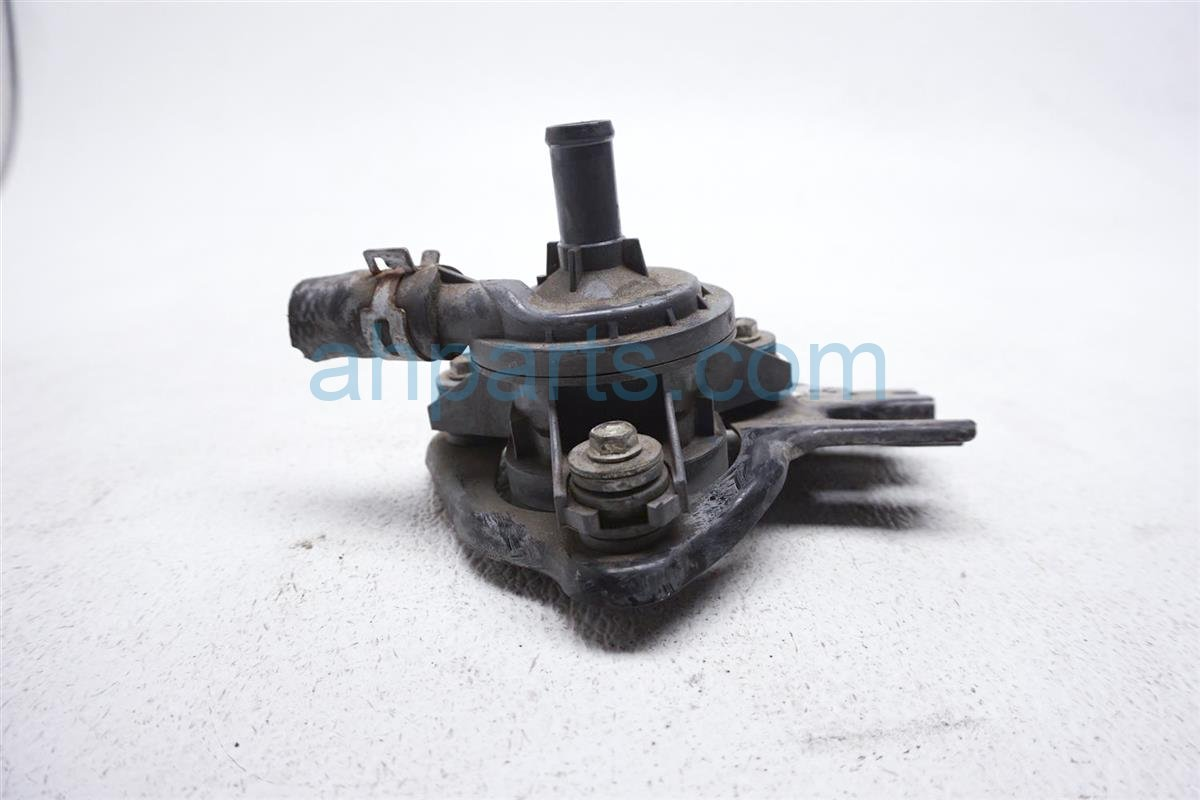 2012 Toyota Prius Water Inverter Coolant Pump G9040 52010 Replacement
