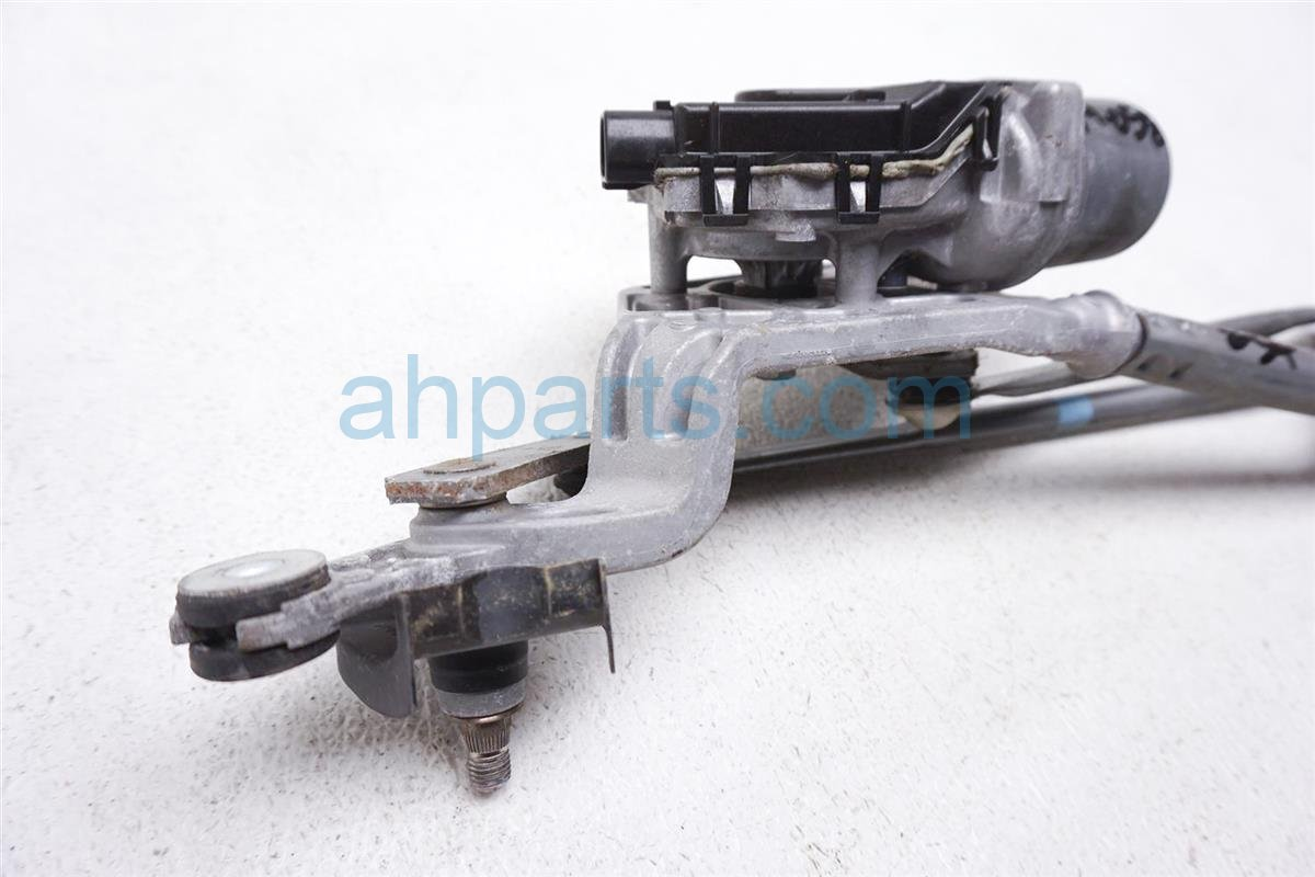 2012 Toyota Prius Front Arms Windshield Wiper Motor Assy 85110 52830 Replacement