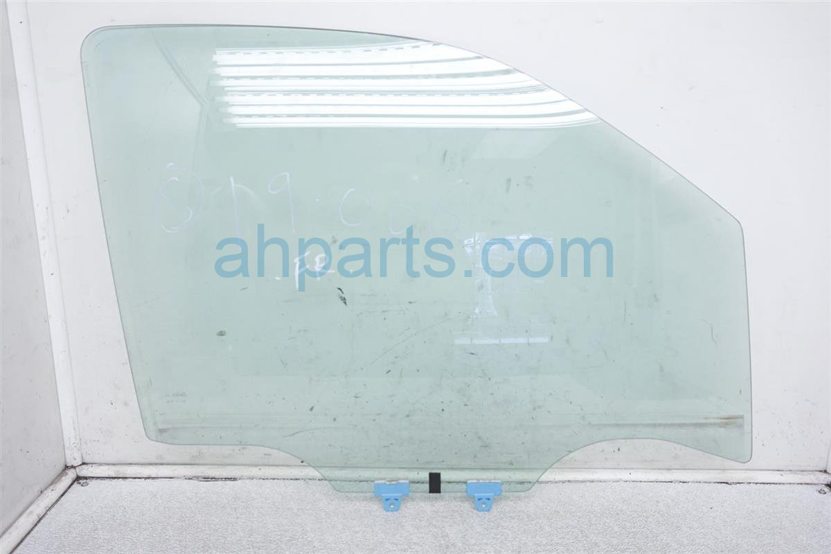 2011 Nissan Frontier Front Passenger Door Glass Window 80300 ZL00A Replacement