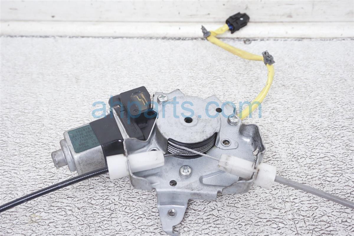 2011 Nissan Frontier Rear Driver Window Regulator & Motor 82731 EB000 Replacement