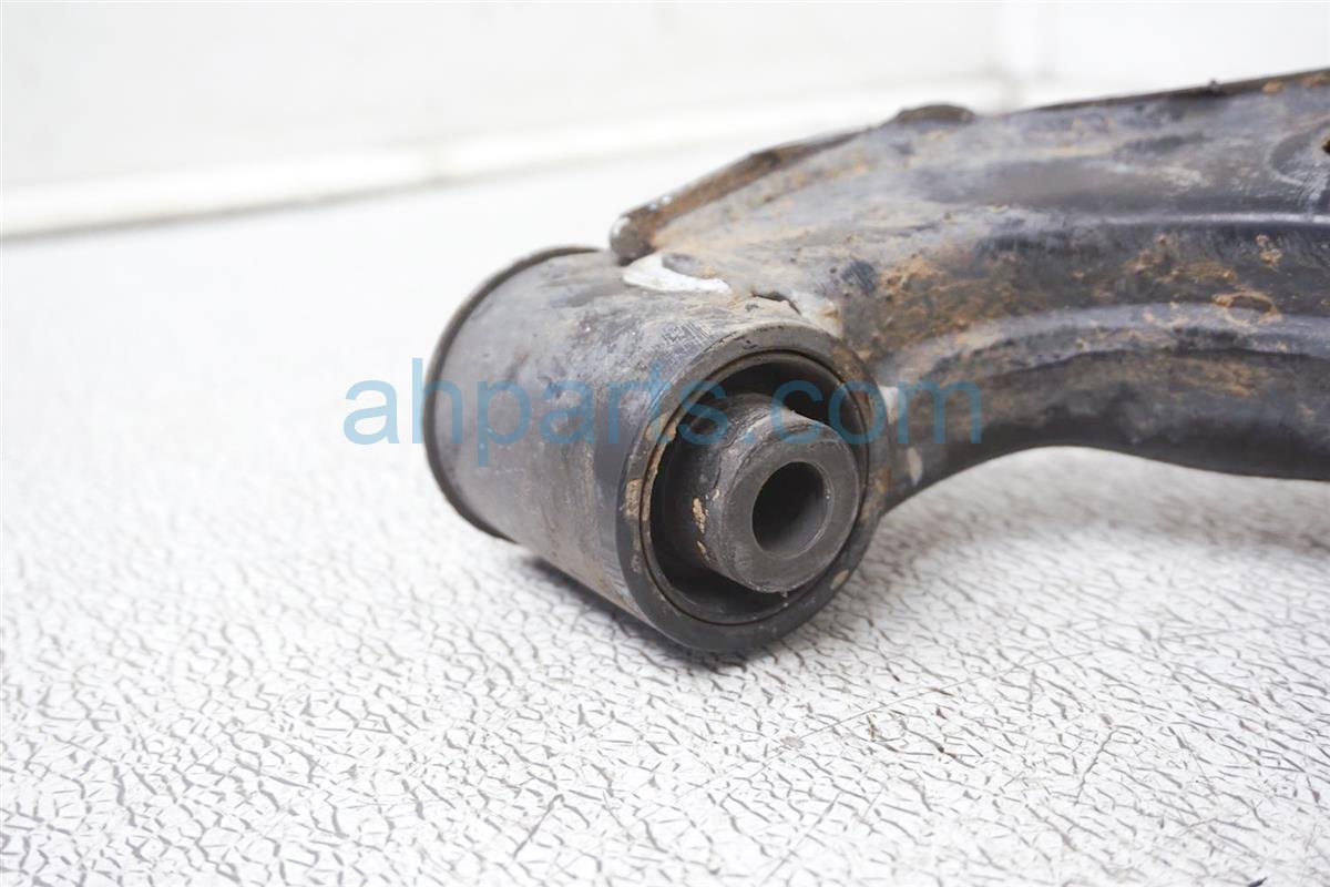 2011 Nissan Frontier Front Passenger Lower Control Arm 54500 EA00A Replacement