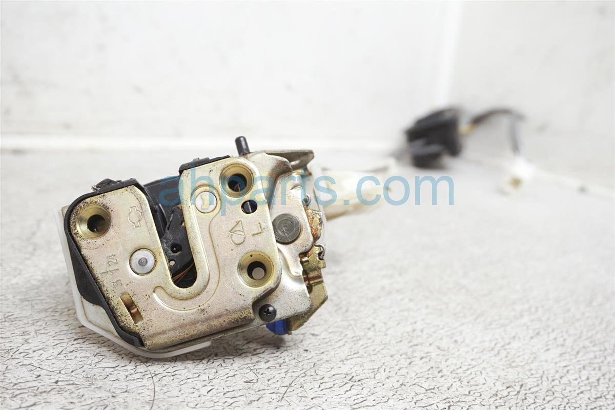 2003 Nissan Xterra Rear Driver Door Latch Actuator Lock   82503 7Z000 Replacement