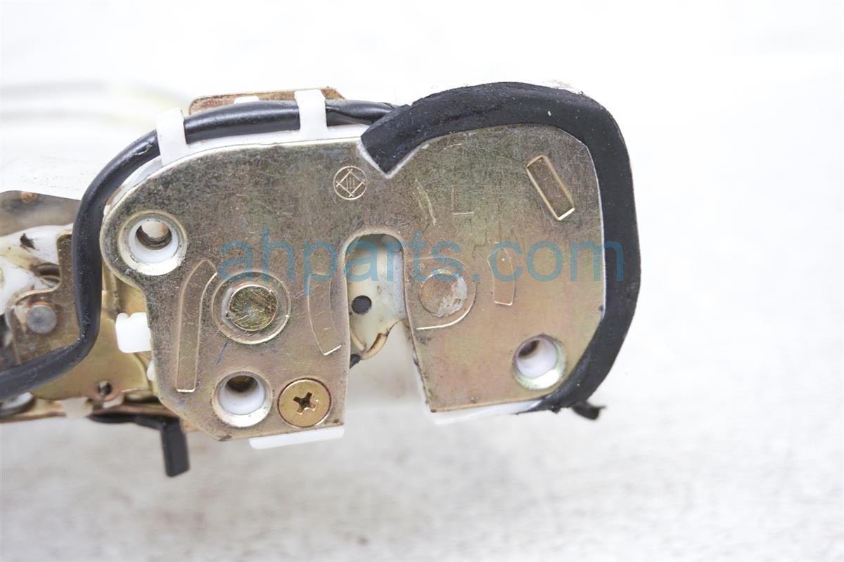 2001 Lexus Rx300 Rear Driver Door Latch Actuator Lock 69060 48010 Replacement