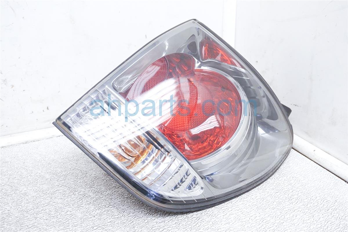 2001 Lexus Rx300 Rear Passenger Tail Lamp   Light On Body   81550 48020 Replacement