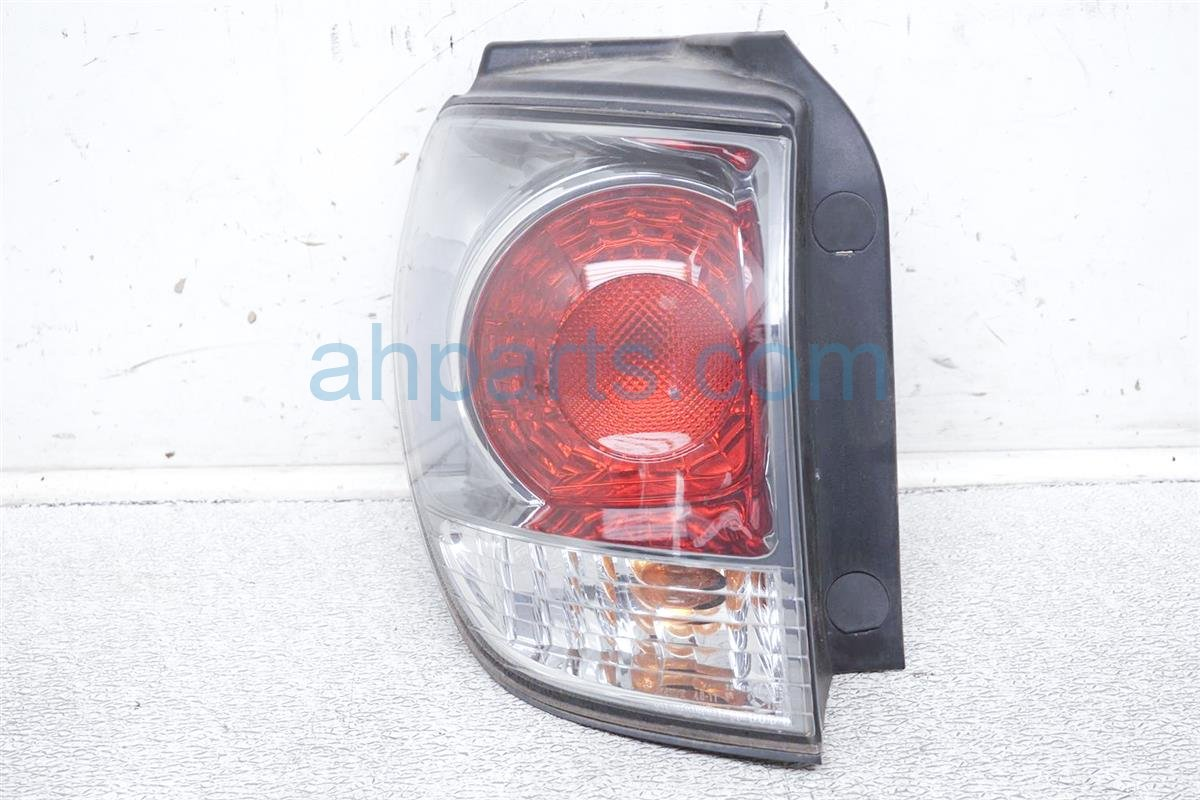 2001 Lexus Rx300 Rear Driver Tail Lamp   Light On Body 81560 48020 Replacement