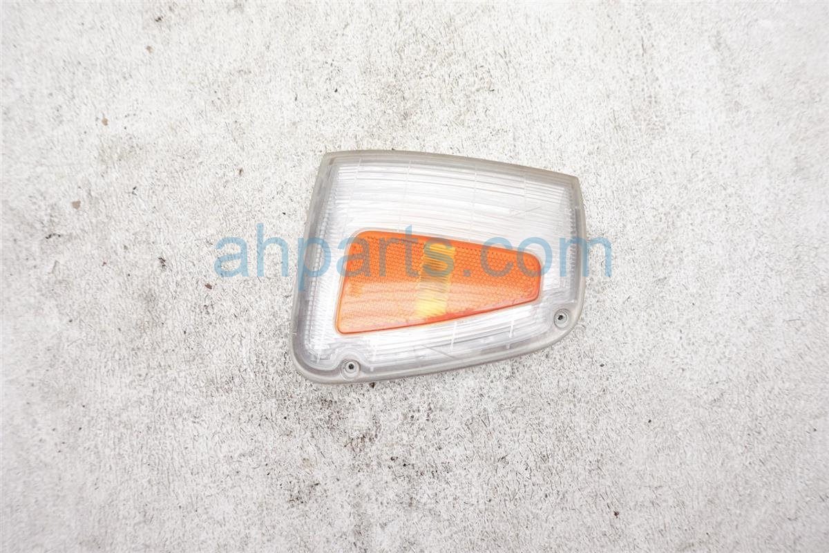 1994 Toyota T100 Passenger Turn Signal Clearance Lamp Light 81611 34010 Replacement