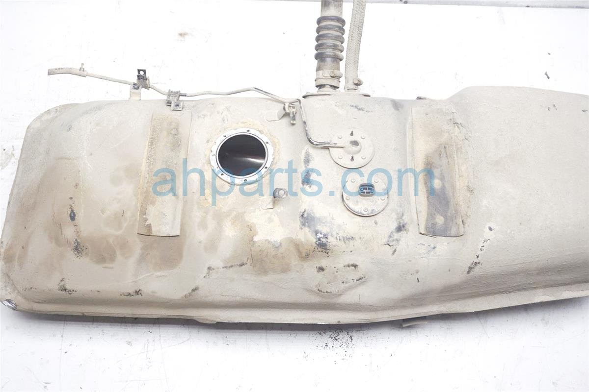 1994 Toyota T100 Gas / Fuel Tank   77001 34010 Replacement