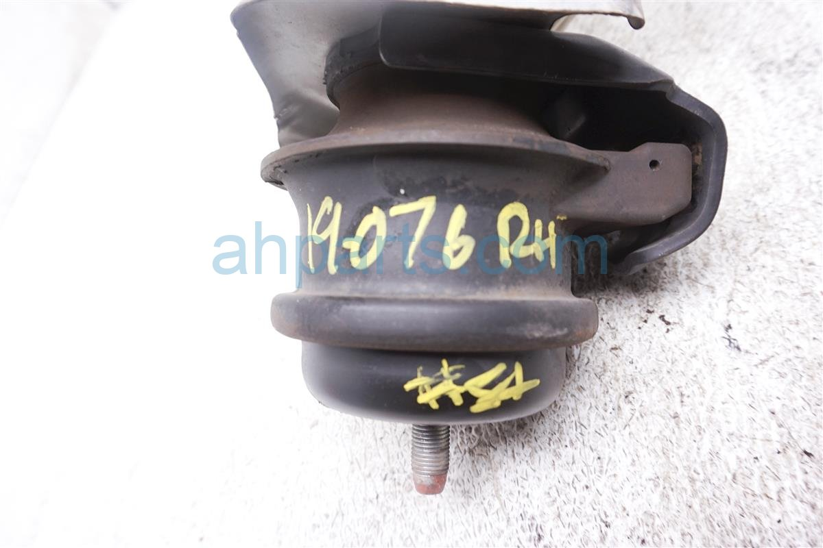 2006 Nissan 350z Engine/motor Passenger Side Engine Mount 11220 CD002 Replacement