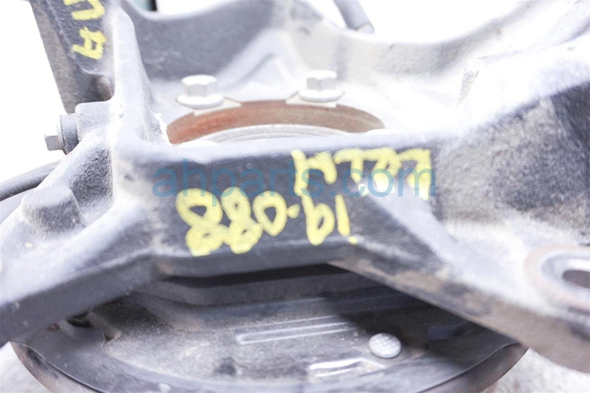 2017 Toyota 86 Axle Stub Rear Driver Spindle Knuckle SU003 07348 Replacement