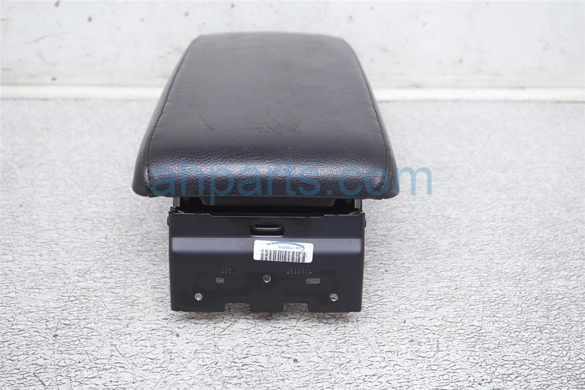 2010 Nissan Altima Center Console Arm Rest   Black 96920 JA31A Replacement