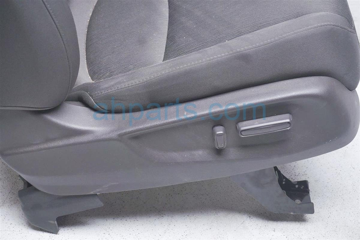 2018 Honda Odyssey Front Passenger Seat   Truffle   No Airbag 81125 THR A01ZC Replacement