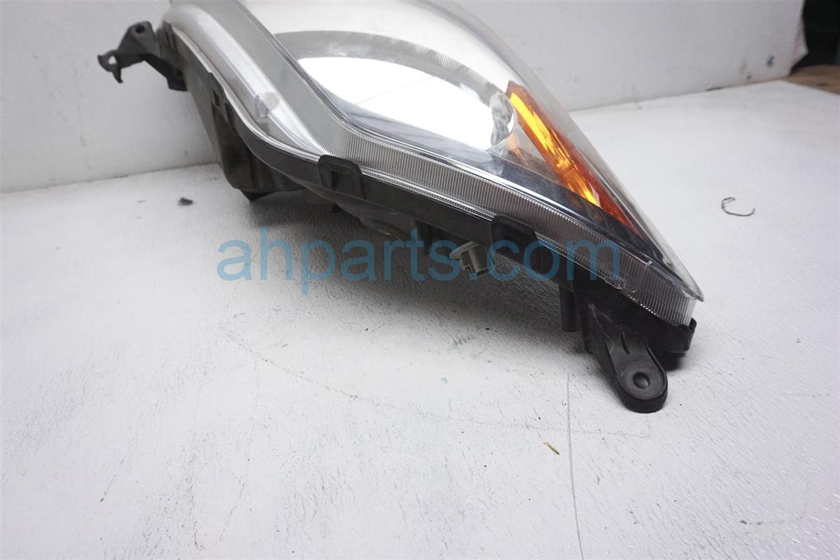 2008 Toyota Prius Headlight Passenger Head Light / Lamp   Scratches 81130 47160 Replacement