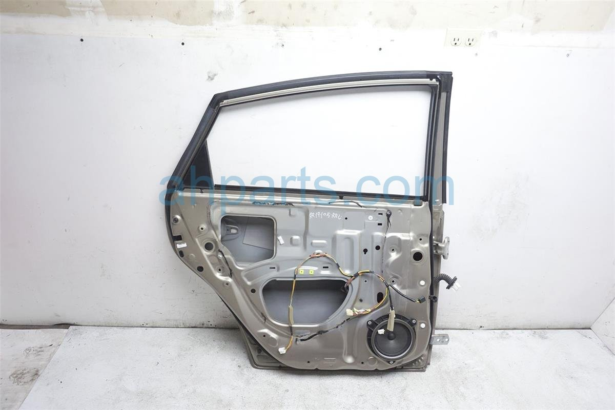 2008 Toyota Prius Rear Driver Door   Gold   Shell Only 67004 47060 Replacement