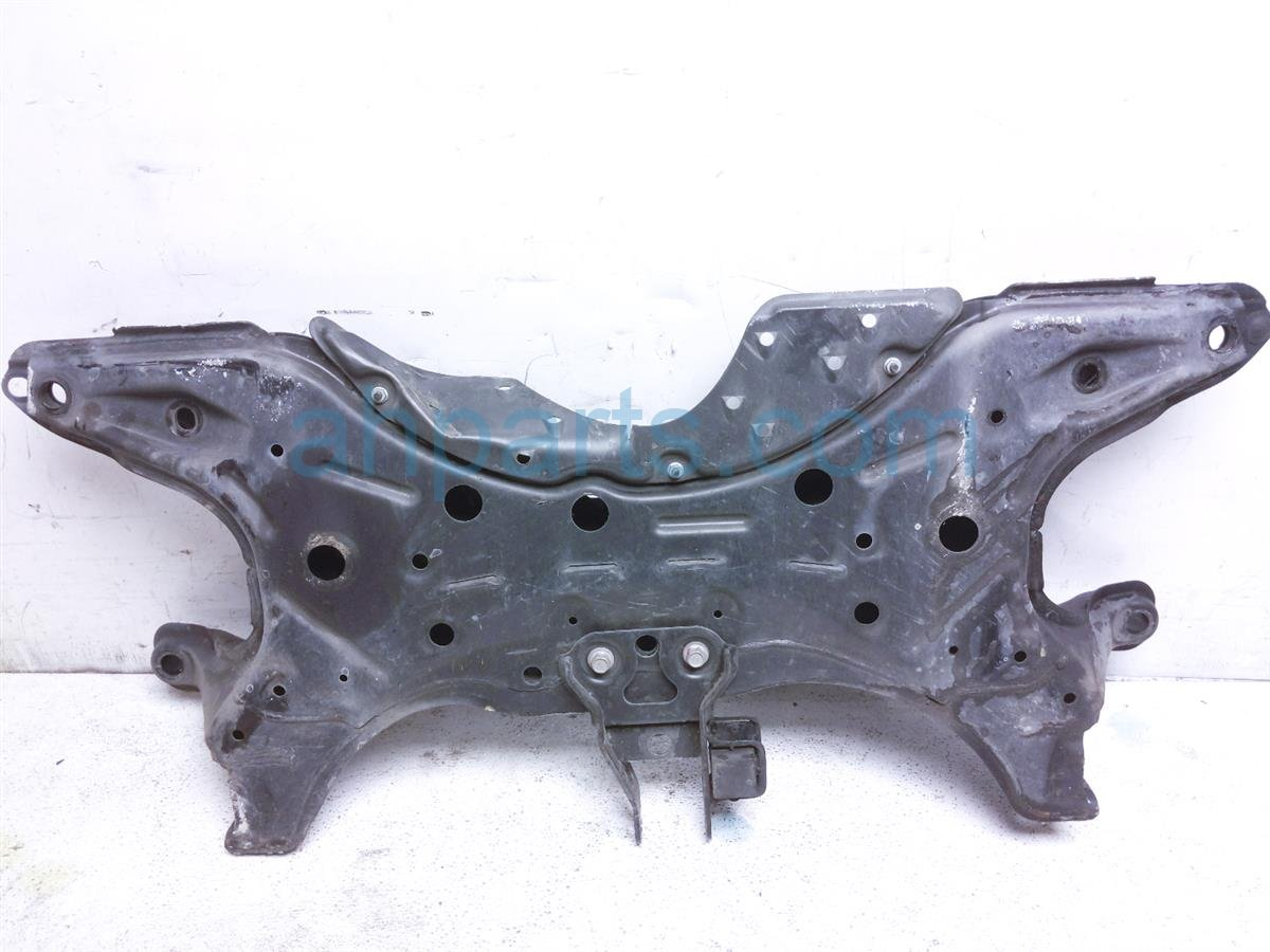 2008 Toyota Prius Crossmember Front Engine Cradle / Sub Frame 51201 47030 Replacement