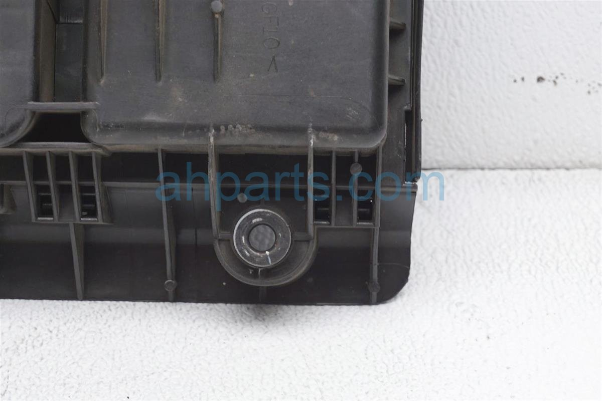 2008 Toyota Prius Intake Air Cleaner Box 17700 21150 Replacement