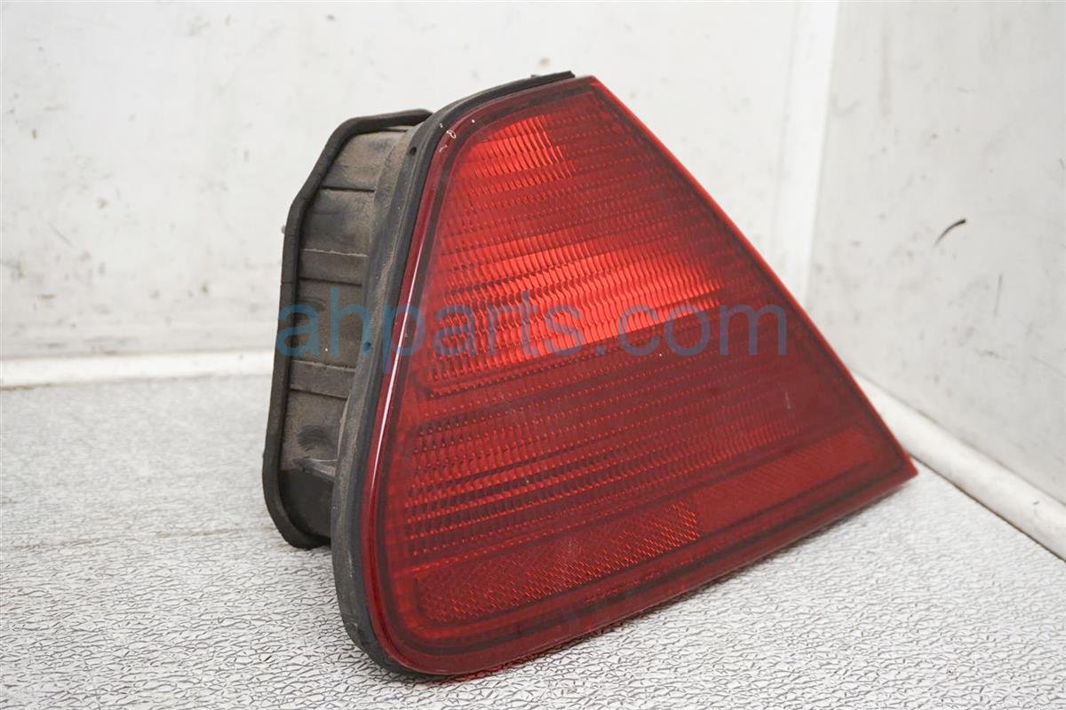 2001 Honda Accord Rear Driver Tail Light / Lamp 33551 S82 A01 Replacement