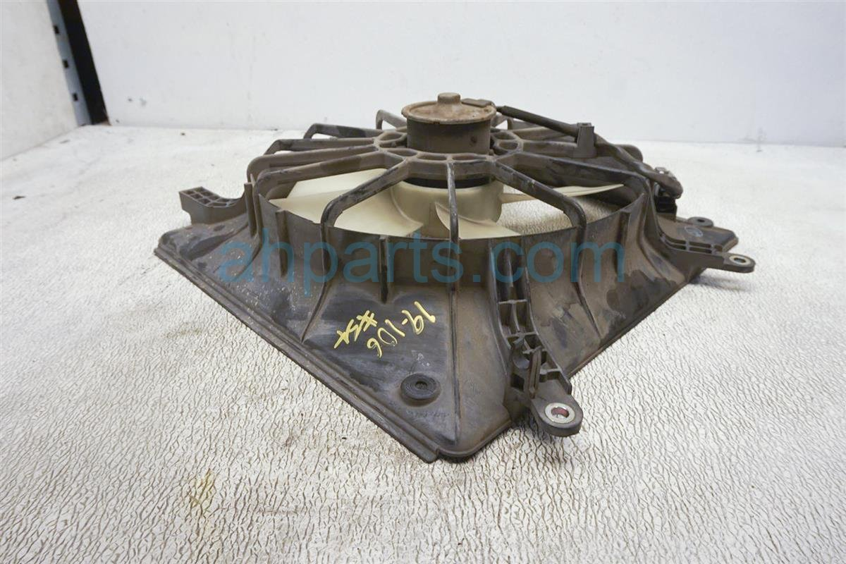 2001 Honda Accord Cooling Radiator Fan Assembly   Check 19015 PAA A01M Replacement