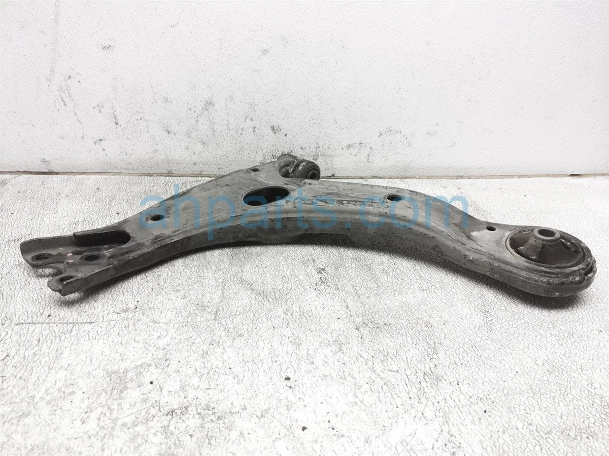 2016 Toyota Corolla Front Passenger Lower Control Arm 48068 02300 Replacement