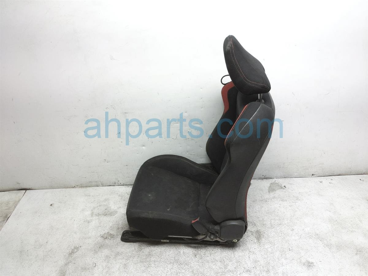 2013 Scion FR S Front Passenger Seat   Black / Red   W/o Air Bag SU003 05022 Replacement