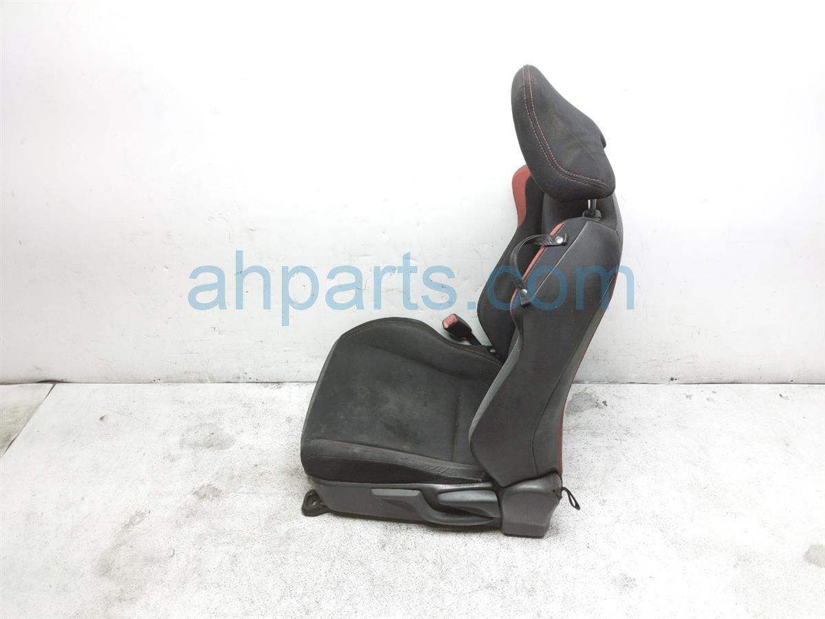 2013 Scion FR S Front Driver Seat   Black / Red   W/o Air Bag SU003 05856 Replacement