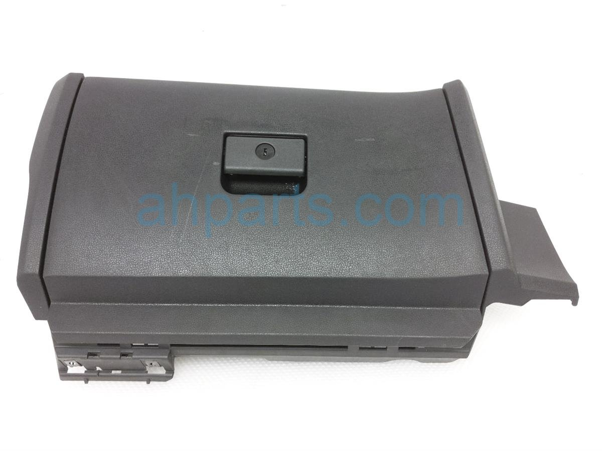2010 Nissan 370z Glove Box Compartment   Black 68108 1EA0A Replacement