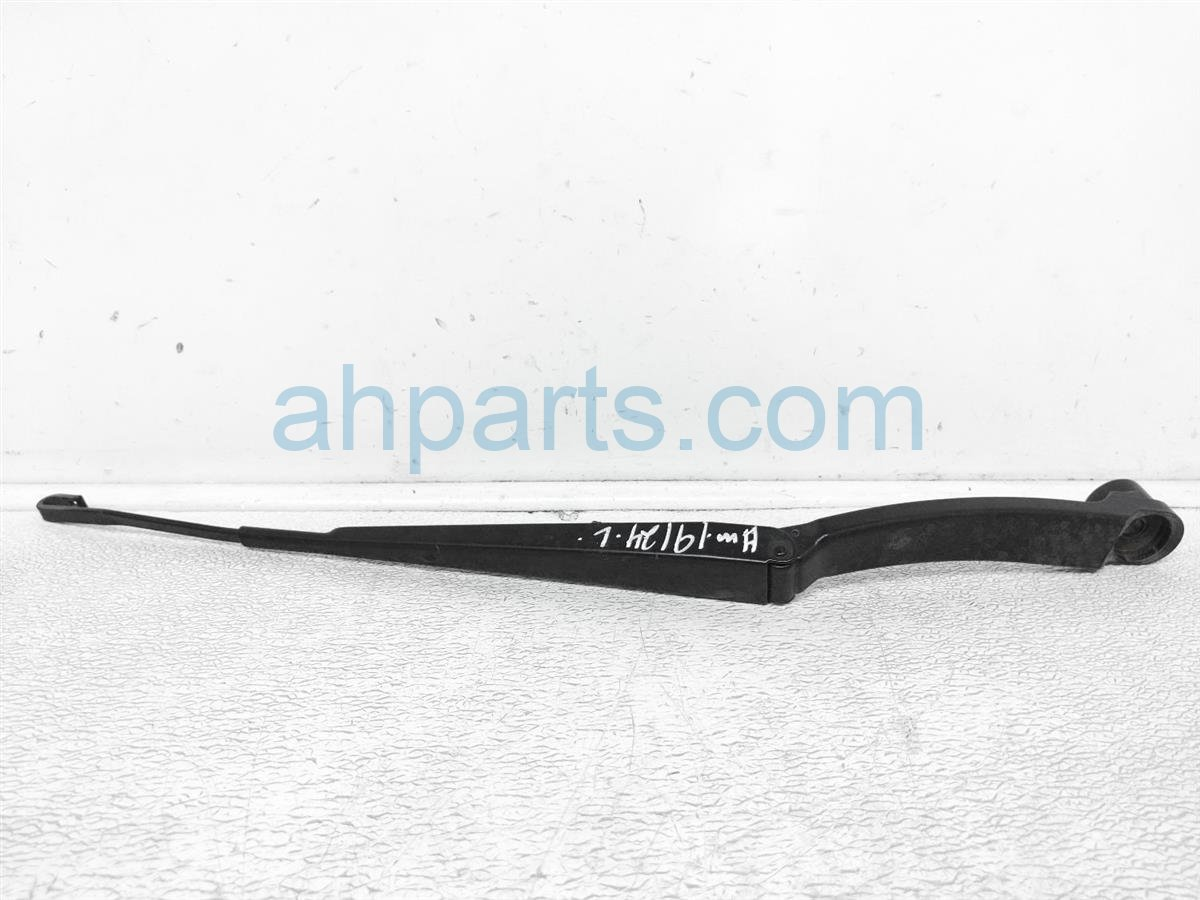 2013 Scion FR S Windshield Front Driver Wiper Arm SU003 02670 Replacement