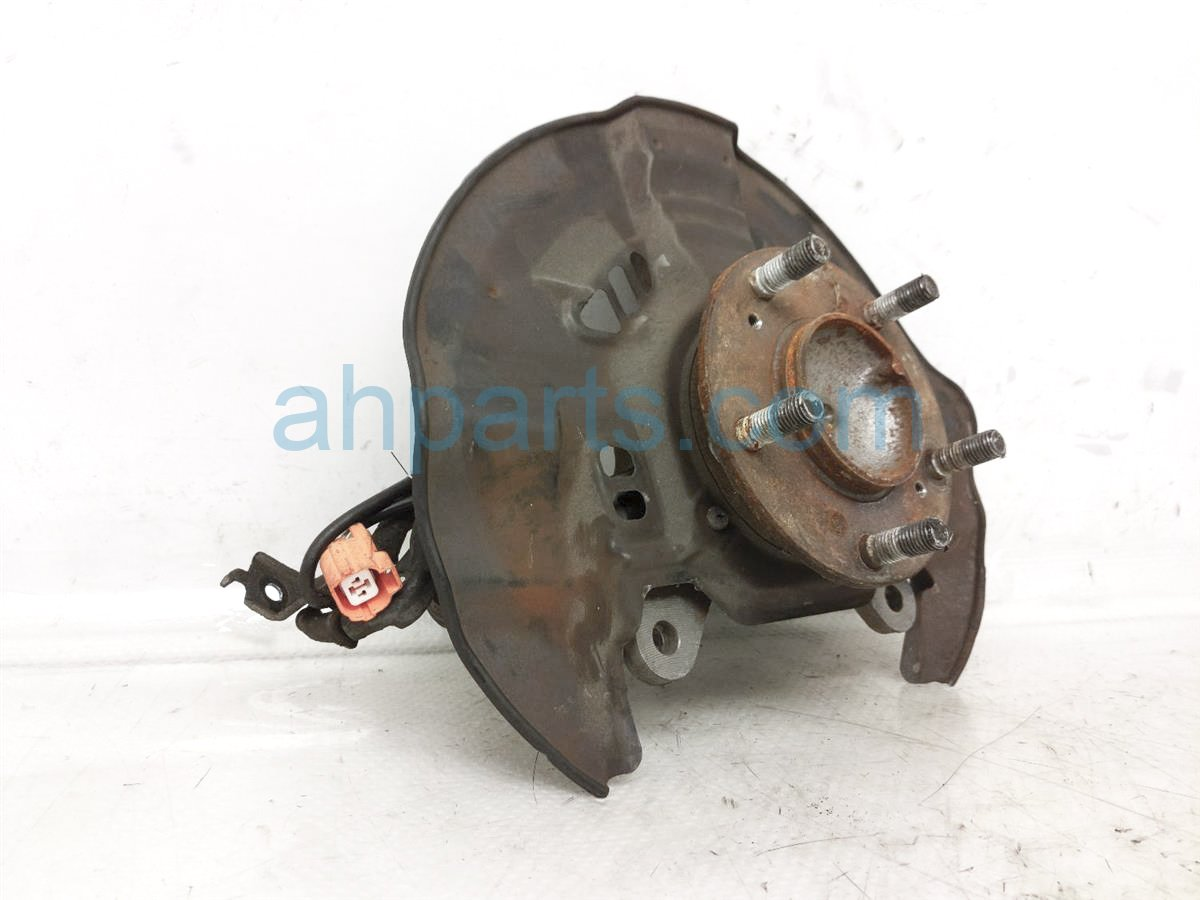 2002 Honda S2000 Front Passenger Spindle Knuckle Hub 51210 S2A 010 Replacement