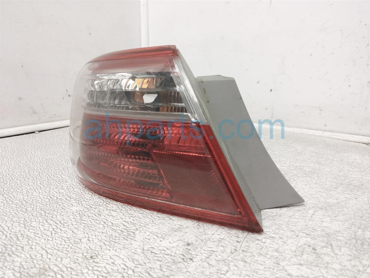2008 Toyota Camry Rear Driver Tail Light / Lamp 81560 06240 Replacement