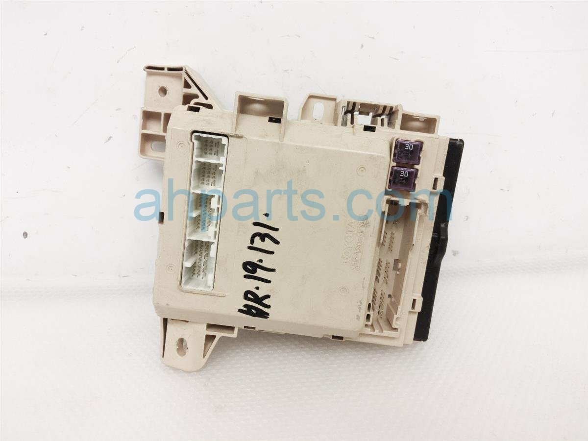 2008 Toyota Camry Driver Cabin Fuse Box 82730 06502 Replacement