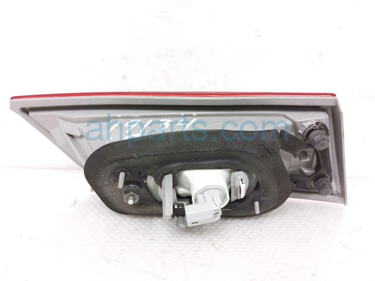 2013 Toyota Camry Rear Passenger Tail Light / Lamp   On Trunk 81580 06380 Replacement