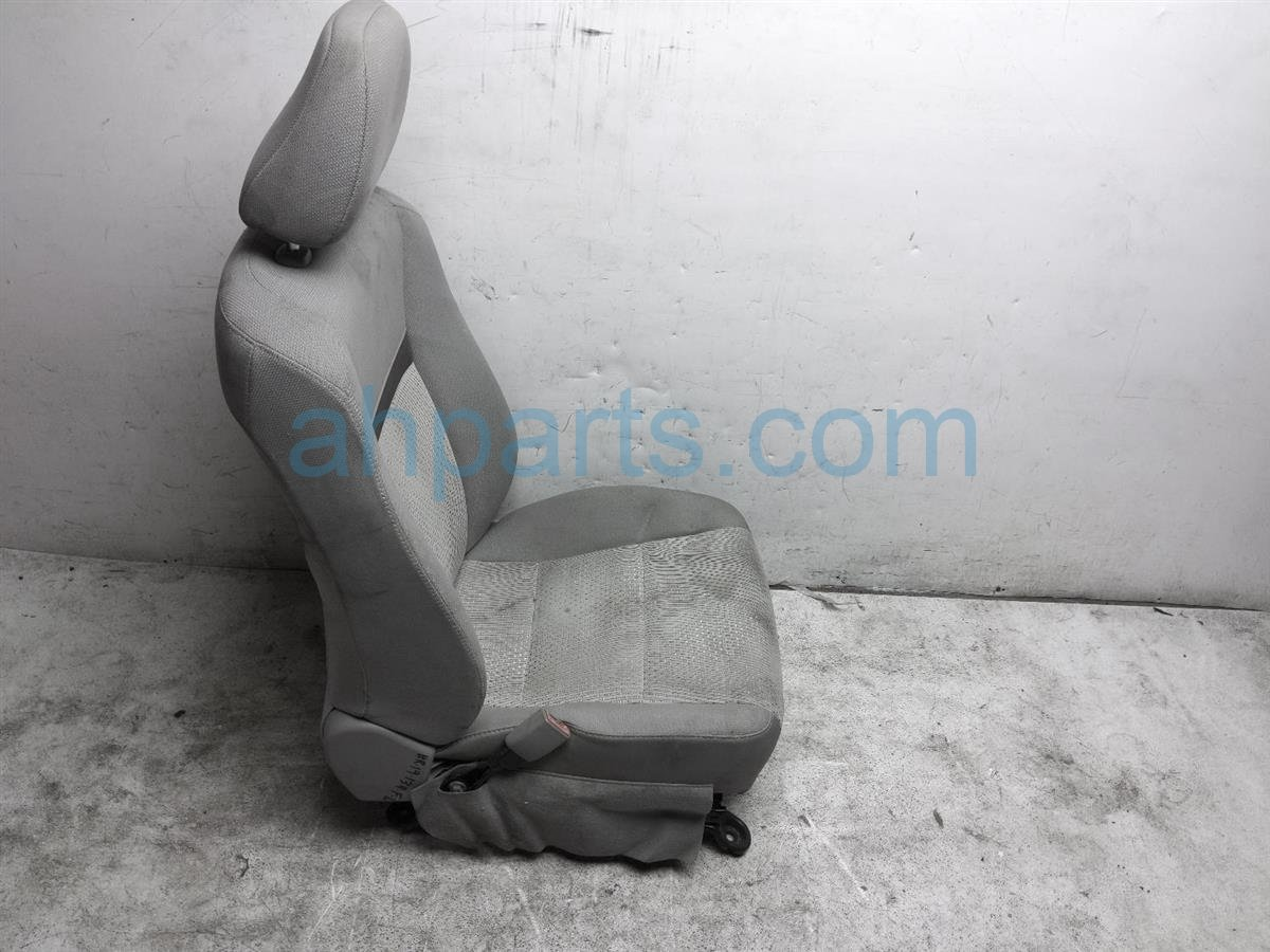 2013 Toyota Camry Front Driver Seat   Grey   Cloth   71074 06D81 D3 Replacement
