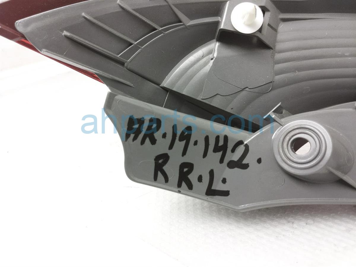 2015 Honda CR V Rear Driver Upper Tail Light / Lamp 34175 T1W A01 Replacement
