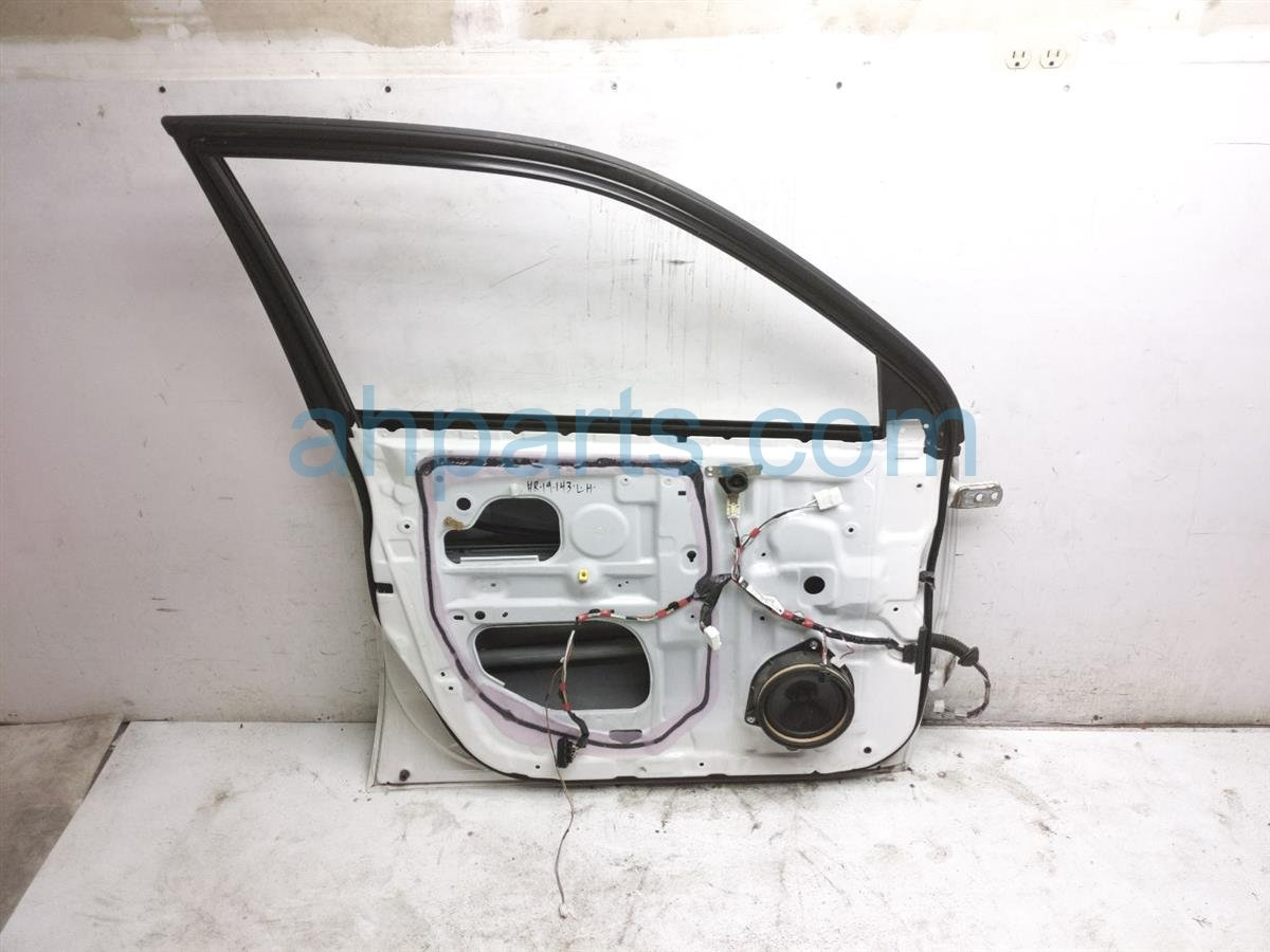2007 Toyota Highlander Front Driver Door   White   Shell Only   67002 48050 Replacement