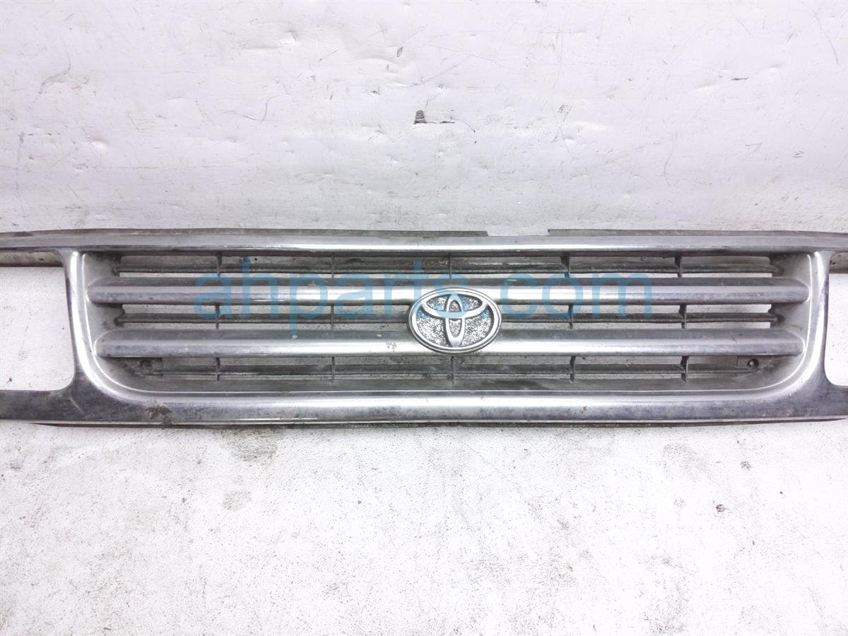 1998 Toyota T100 Grille Chrome  some Fade 53111 34021 Replacement