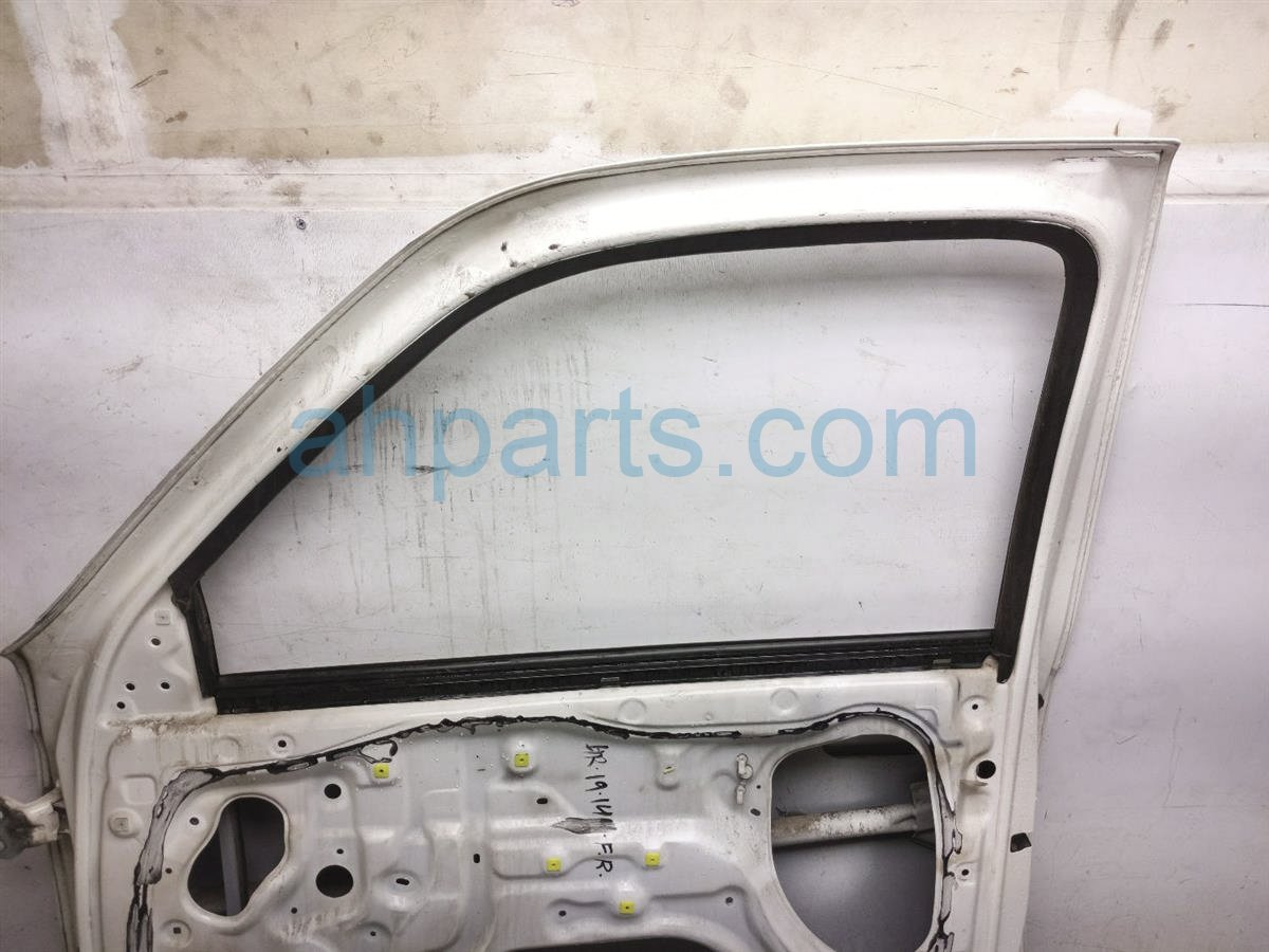 1998 Toyota T100 Front Passenger Door   Shell White   Paint Peel 67001 34011 Replacement