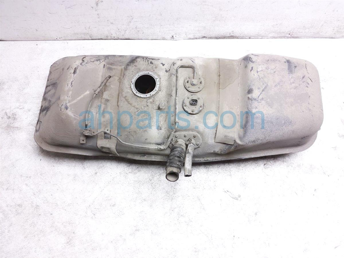 1998 Toyota T100 Gas / Fuel Tank   77001 34070 Replacement
