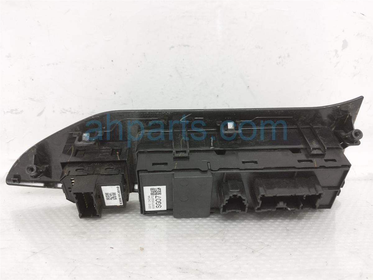 2017 Subaru Forester Power / Master Window Control Switch   83071SG072 Replacement