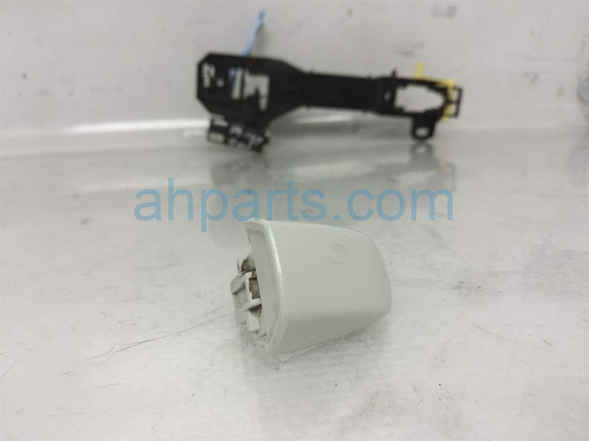 2017 Subaru Forester Outside/exterior Rear Driver Outside Door Handle   White 61160FJ010W6 Replacement