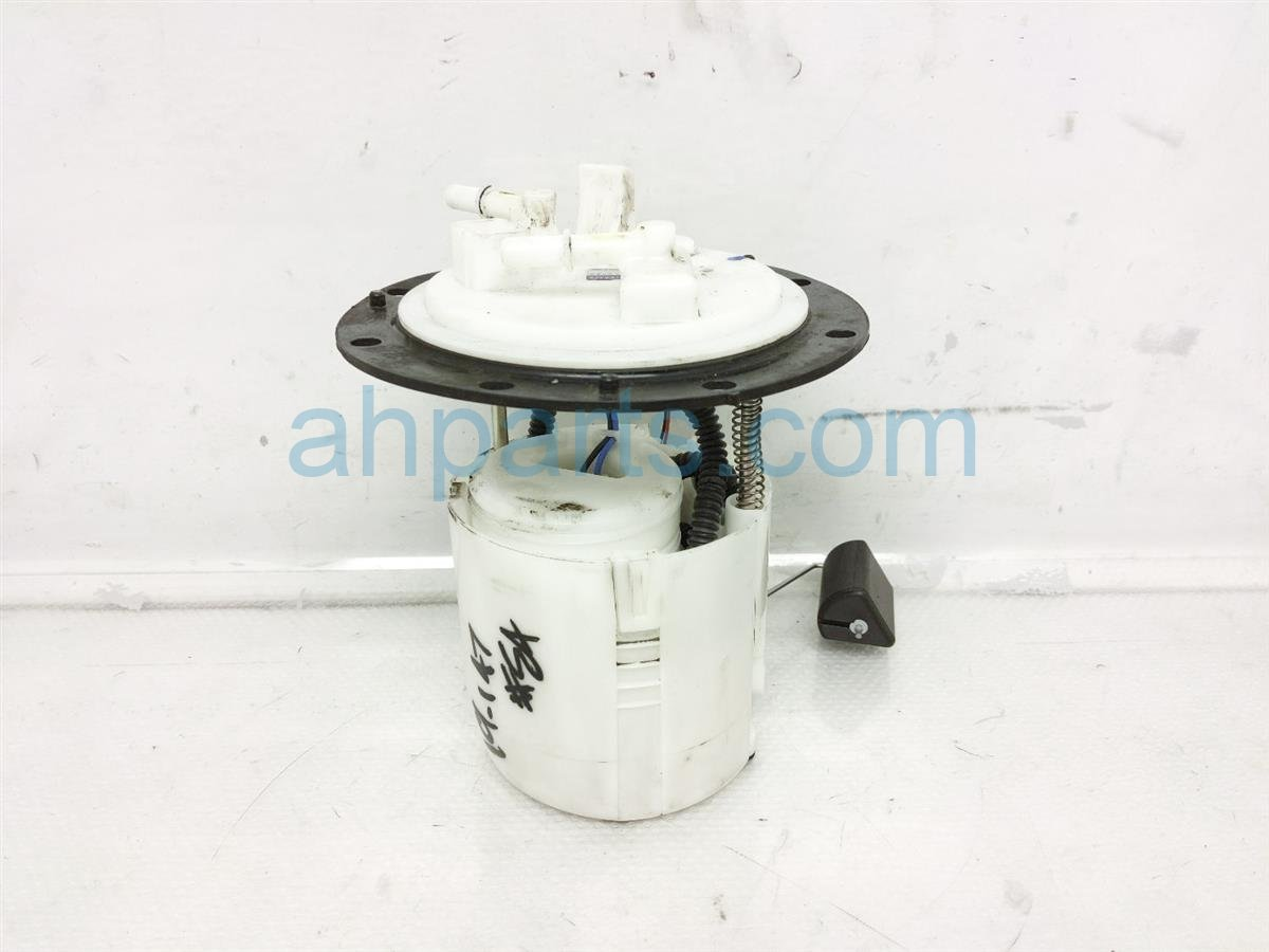 2017 Subaru Forester Gas / Fuel Pump   42021SG080 Replacement