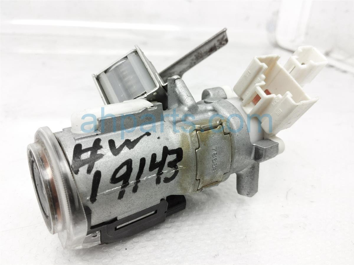 2007 Toyota Highlander Column Ignition Switch + Key 69057 48140 Replacement