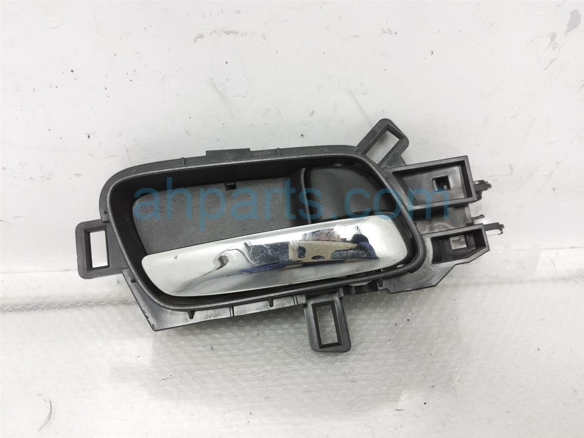 2015 Honda CR V Inside / Door Rear Passenger Interior Handle 72120 T0G A11ZA Replacement