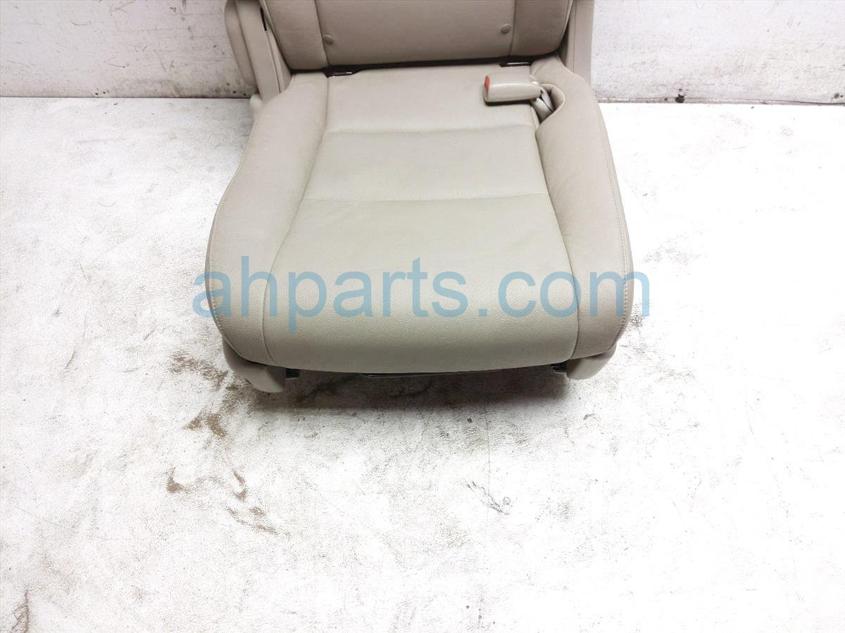 2015 Honda Odyssey Rear / Back (2nd Row) 2nd Row Passenger Seat   Tan Leather 81321 TK8 A43ZC Replacement