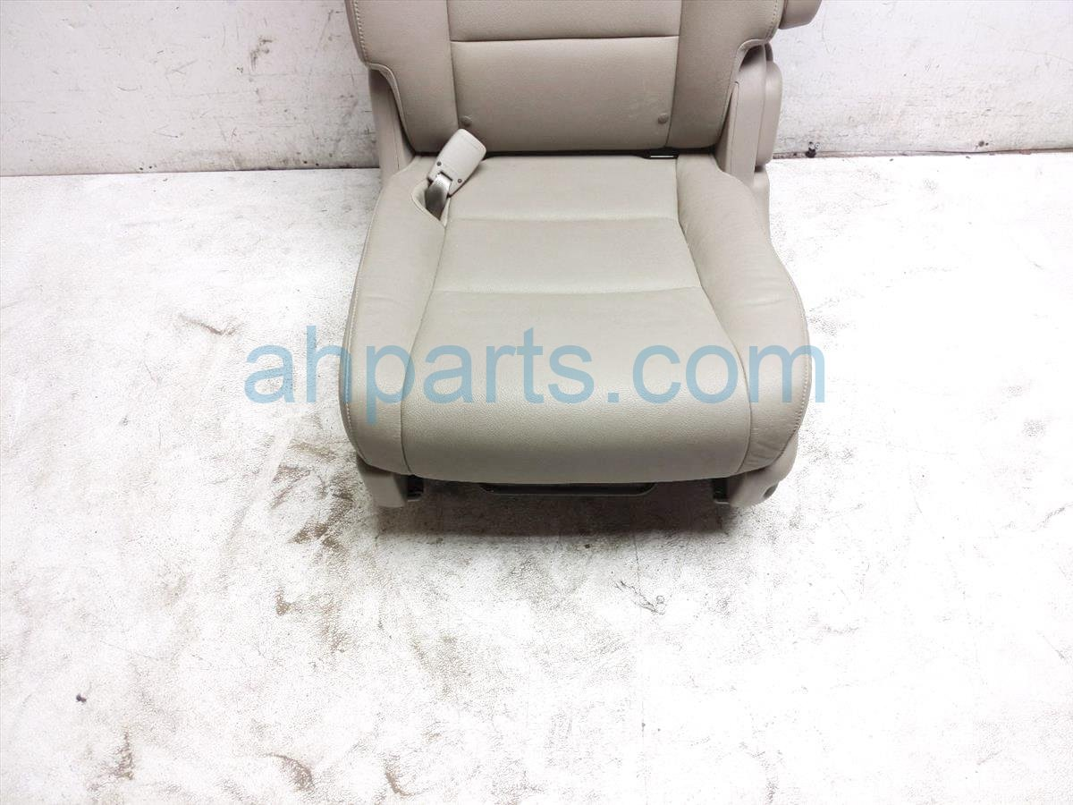 2015 Honda Odyssey Rear / Back (2nd Row) 2nd Row Driver Seat   Tan Leather 81721 TK8 A42ZC Replacement