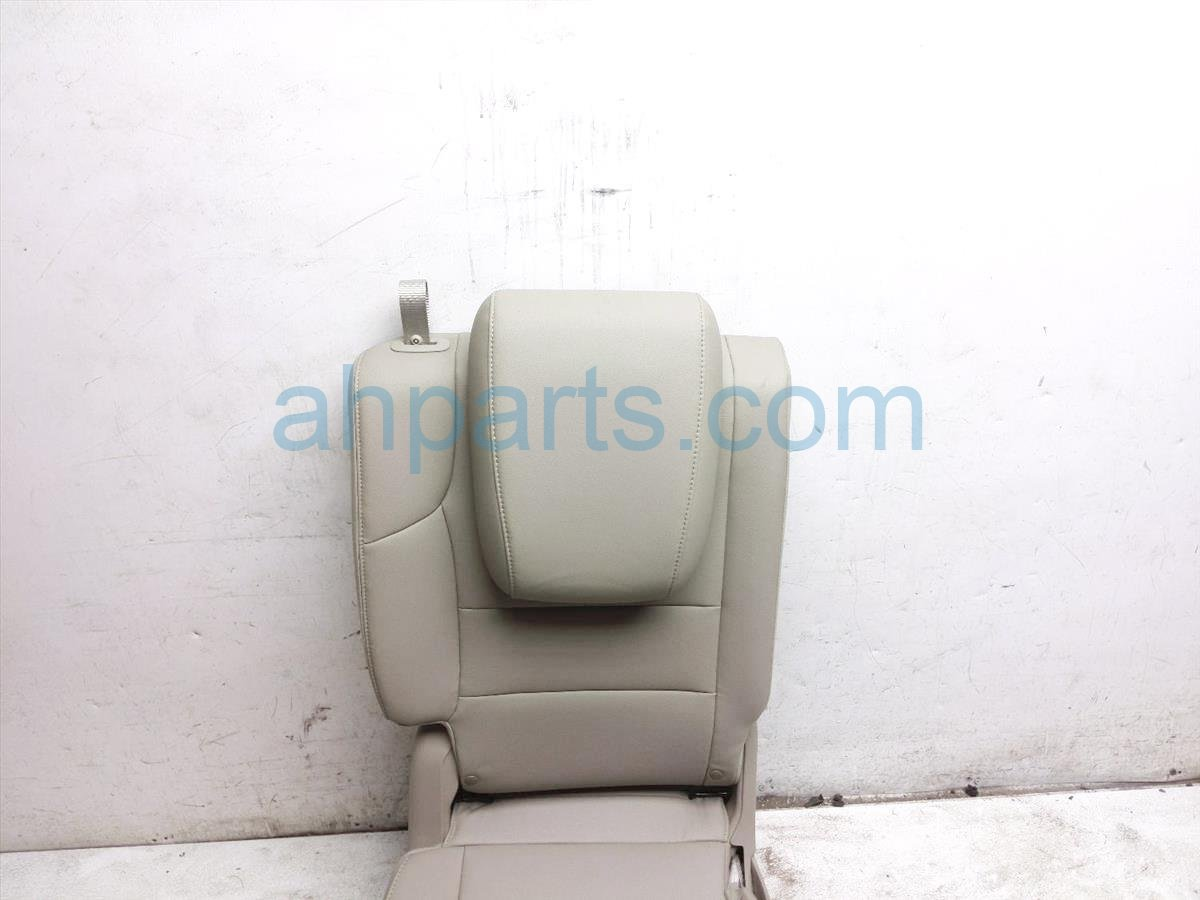 2015 Honda Odyssey Rear / Back (3rd Row) 3rd Row Passenger Seat   Tan Leather 82121 TK8 A43ZC Replacement