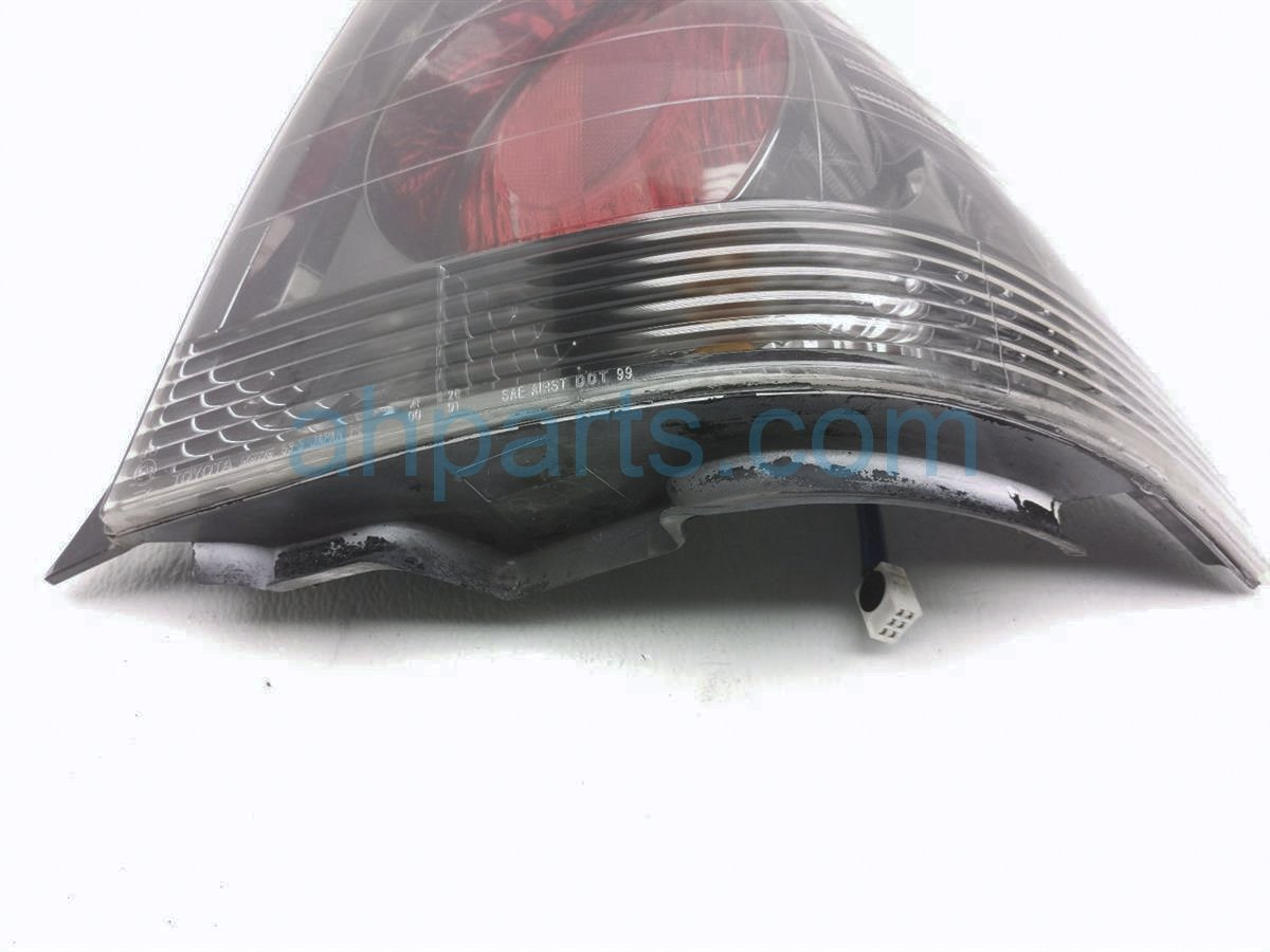 2003 Lexus Is300 Rear Passenger Tail Lamp   Light On Body   Scuff 81551 53032 B0 Replacement