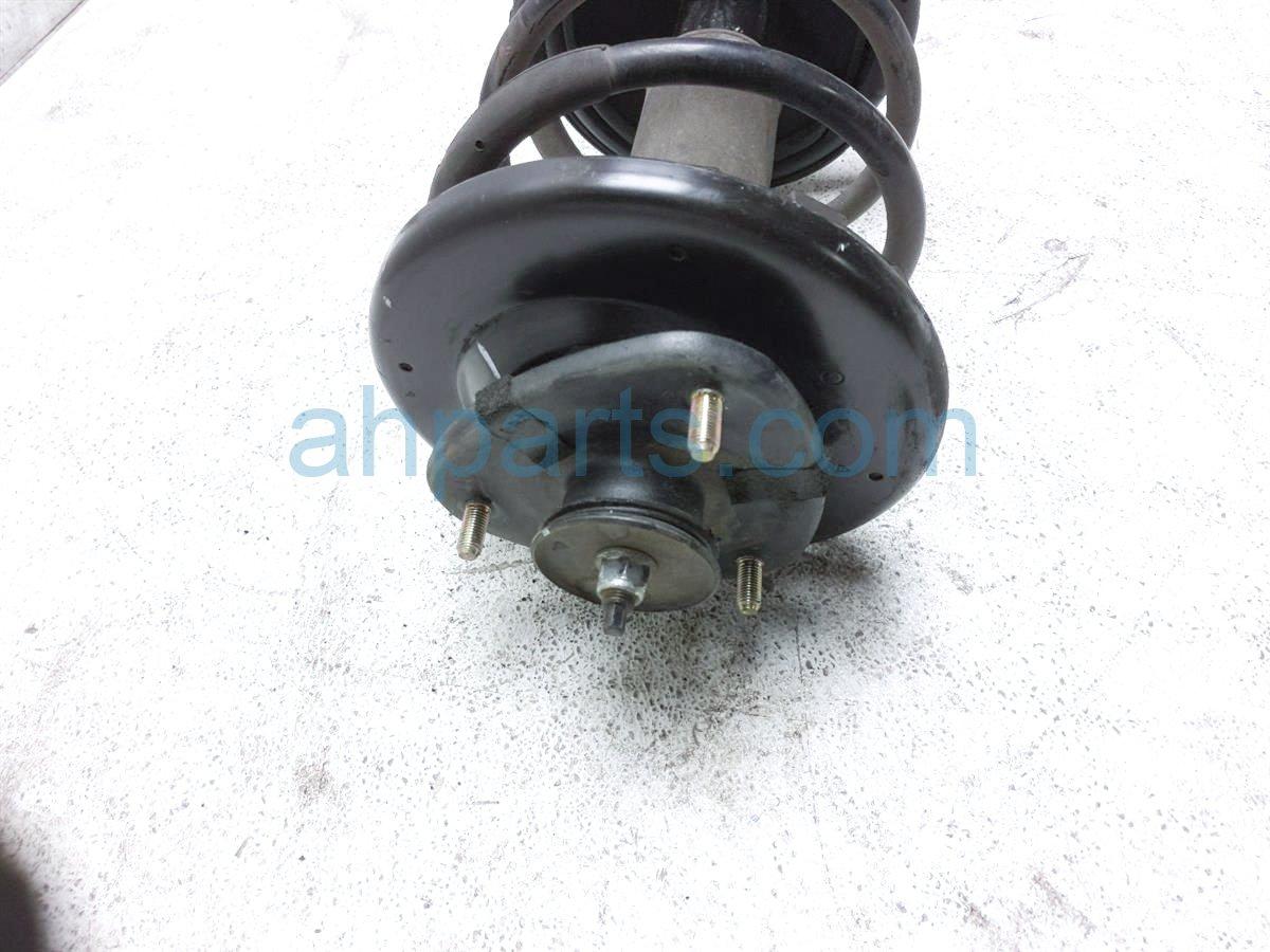 2007 Honda Pilot Front Passenger Strut Shock + Spring   51601 STW A02 Replacement