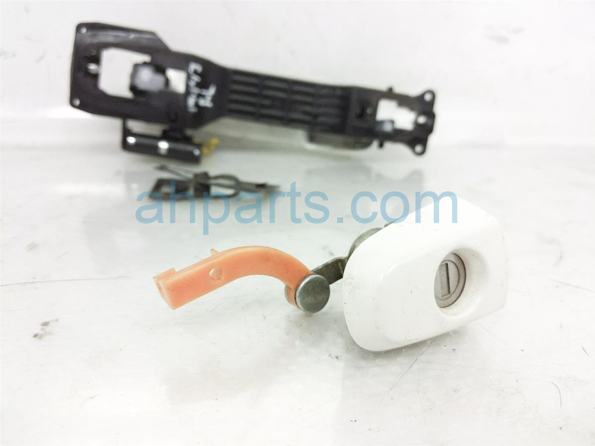 2007 Toyota Highlander Outside/exterior Front Driver Door Handle   White Replacement